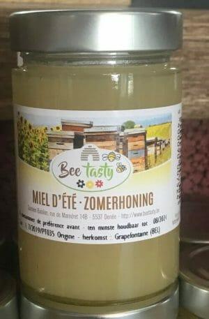 Verschilende bloemen honing